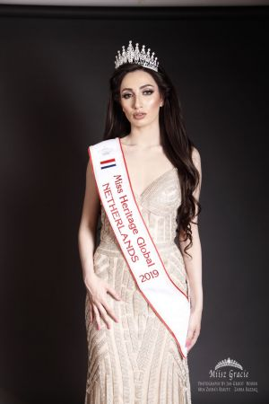 Auteur fotograaf Jan Groot - Miisz Gracie Miss Heritage 2019 NL . Muah Zahra Razzaq. PhotoGraphy by Jan Groot.