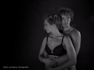 Auteur fotograaf Roel Lemstra - holding each other