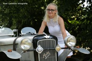 Auteur fotograaf Roel Lemstra - oldtimer and young girl