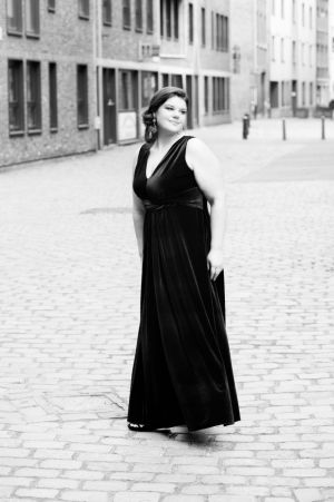 Auteur model Priskilla - MODEL : Prissy R @ FashionMove  https://www.facebook.com/curvymodelpriskilla/ PHOTO : Luc Grobben  For FashionMove , Mod